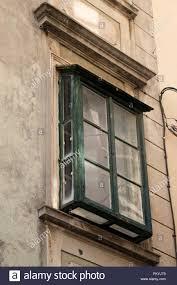 Verwitterte Vintage Holz Grüne Fenster In Der Altstadt Von Sibenik