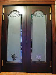 photo of entrance of gryphons lair doors with sandblasted glass