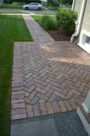 Herringbone Pattern Pavers Best Reclaimed Barr Paver Herringbone Pattern Front Walkway Northbrook