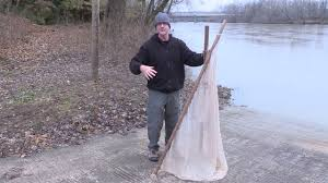 How does the DNR collect the Tippecaneo darter? - YouTube