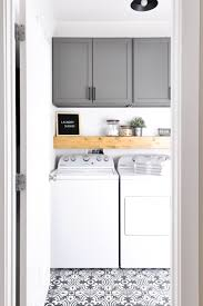 Do laundry in style in this Modern Farmhouse Laundry Room. Come see the  transformation from