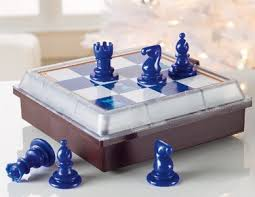 solitaire chess lets you play against
