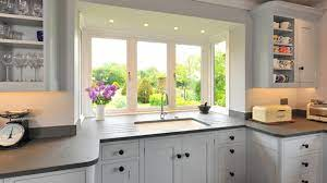 20 Charming Kitchen Spaces With Bay Windows Home Design Lover
