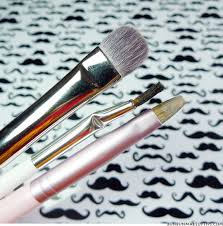 do you spot clean your makeup brushes with the mac brush cleanser bun bun makeup tips and beauty reviews