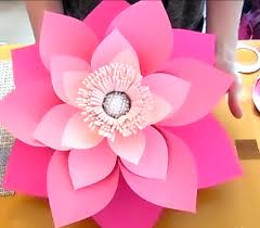 How To Make The Paper Flower How To Make Giant Paper Flowers Step By Step Tutorial Sad To