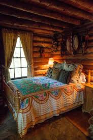 Lodge Bedroom 17 Best Ideas About Cabin Chic On Pinterest Rustic Cabin Decor