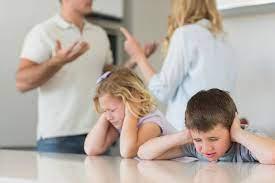 نکات مهم مشاجره و دعوای والدین در حضور فرزندان - کیدمام - مرجع حوزه  خانواده، مادر و کودک