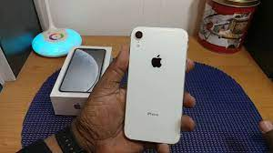 Apple iPhone Xr Unboxing (White) - YouTube