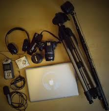 """Résultat de recherche d'images pour """"camera canon professionnel pour journaliste"""""""