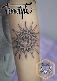 солнце и луна дотворк на предплечье добавлено олеся телегина