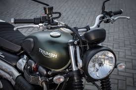 2017 triumph street scrambler review better in every way