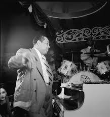 how to write a good duke ellington essay a comparison of the attitudes shown in the man he killed by tomas hardy and in my last duchess by robert browning her melodies tumble out the window and