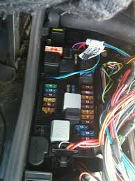 w219 airmatic relay location mercedes benz forum how to open circuit breaker box at Location Of Fuse Box