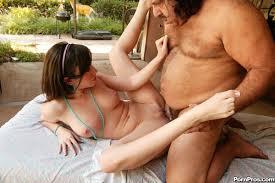 Free Carmen Electra Nude Tits Garganta Profunda Com Amadora.