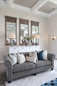 wall color is benjamin moore collingwood