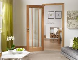 worcester 3 light internal oak door with clear glass lifestyle roomshot
