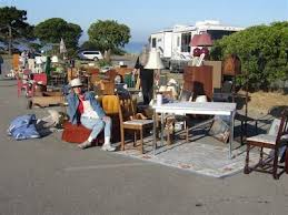 decorating with flea market finds anyone can decorate sunday flea market adventures