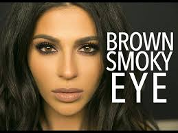 no matter your eye color knowing how to do a smokey eye will serve you well it s a technique that gives your eyes drama while also opening them up and