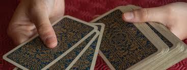 10 conseils pour Tirer les cartes divinatoires soi-même (Tarot ou Oracle)