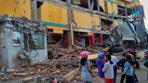 The earthquake today live radar map shows all earthquakes which are happening or happened in the past all around the world. Earthquake Today 42 Dead 15 000 Displaced In Massive Indonesia Quake Zee Business