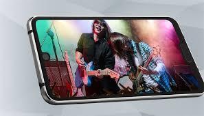 """Sharp nhá hàng smartphone màn hình vừa có """"nốt ruồi"""" lẫn tai thỏ"""