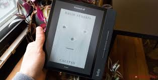 Kobo's Forma e-reader takes on Kindle Oasis with an asymmetric ...