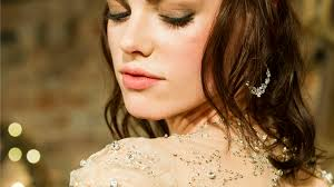 7 things to know before you book a makeup artist for your wedding