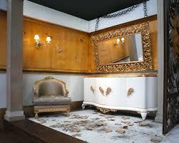 Das wohnzimmer ist eines der wichtigsten räume im haus. Wandspiegel Im Barock Stil Ausdrucksstarke Dekoration