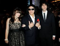 gene simmons daughter. gene simmons house hunting to force kids out of home (video) : realty today daughter
