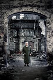 Znalezione obrazy dla zapytania Walentynowicz w Stoczni zdjęcie
