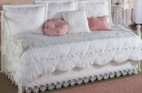 daybed : Awesome Daybed Quilt Set Baroness Daybed Bedding Set ... & daybed:Awesome ... Adamdwight.com