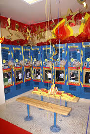Decorations For A Room 17 Best Ideas About Locker Room Decorations On Pinterest
