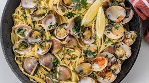 Delicious Linguini with Clams Al Bianco Recipe