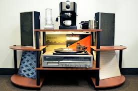 diy under shelf record player lighting