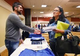 job seekers flock to career fair business news jobertising com job fair
