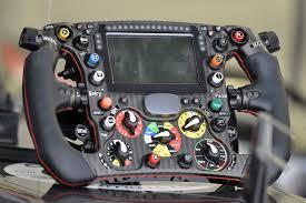 Red bull formel 1 sebastian vettel 2011 lenkrad catawiki. Formel 1 Lenkrad Wo Liegt Die Belastungsgrenze Formel 1 Speedweek Com