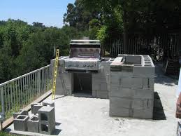 outdoor kitchen construction using cinder block