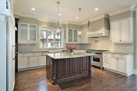 01 traditional two tone kitchen