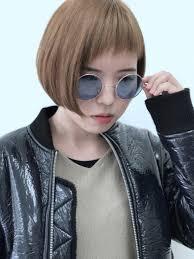 アシンメトリーの髪型が人気ちょいイメチェンにも最適な前髪アシメ