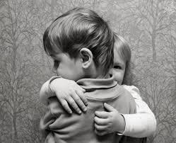 Los beneficios de un abrazo - Universo de Emociones
