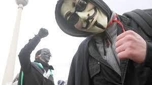 "Anonymous Germany im Interview: ""Attila Hildmann hat uns den Krieg erklärt"""