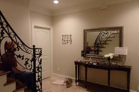 Image of: paint ideas for small foyer