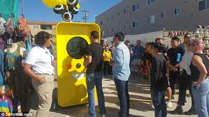 Snapchat Spectacles Vending Machine Impressive Snapchat's Spectacles Go On Sale In Snapbot Vending Machine In