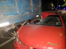 Resultado de imagen para Un automovilista manejaba borracho y se estrelló contra un camión estacionado en Posadas