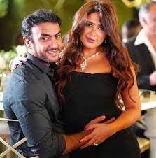 زهرة الخليج - ياسمين عبد العزيز برفقة زوجها في كواليس مسلسلهما الجديد