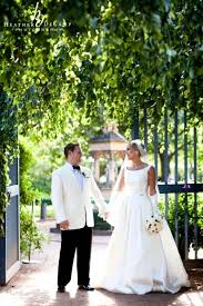 heather decamp is a chicago wedding photographer at chicago botanic gardens