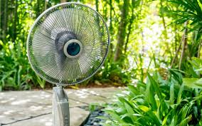 can fans keep mosquitoes away