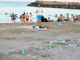 Cum arată plaja din Costinești! Oare când ne vom civiliza? - FOTO - Ştiri de Cluj
