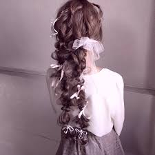 大人の為の可愛い二つ結びの髪型15選二つ縛りのやり方やコツも Cuty