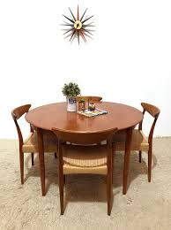 extending round dining table 1960s previous next